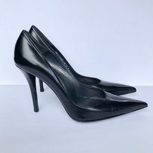 STUART WEITZMAN Black Leather Pointed Toe Heel EUC